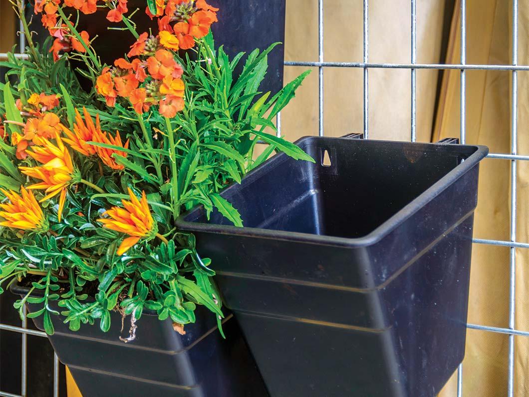 Vertical garden kit modular multi hang for Vertical wall garden kits